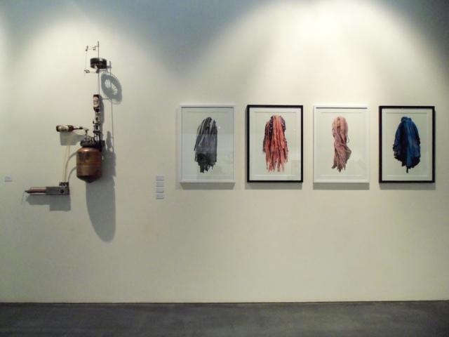 Ausstellungsansicht BLICK FANG, mit Werken von Verena Waldmüller und Alfred Kurz