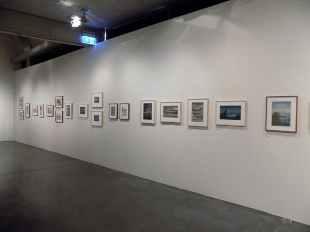 Kunsthaus Kaufbeuren, Ausstellung CROSSING CULTURES, Raumansicht mit Werken japanischer Künstler