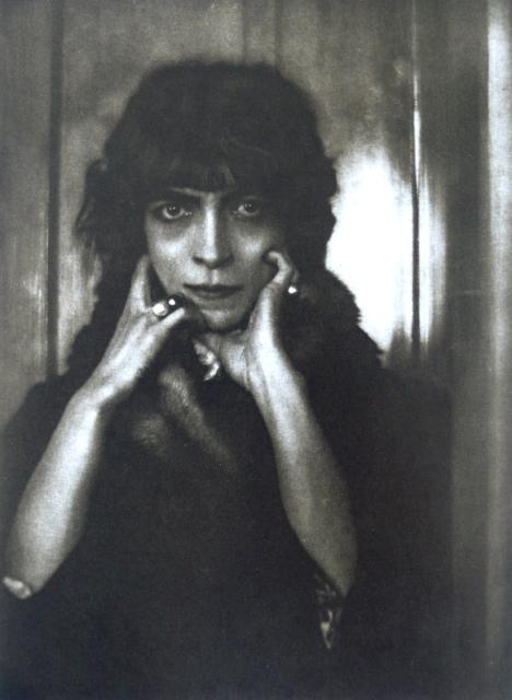 Adolphe de Meyer, Marchesa Casati, 1912, Heliogravüre,