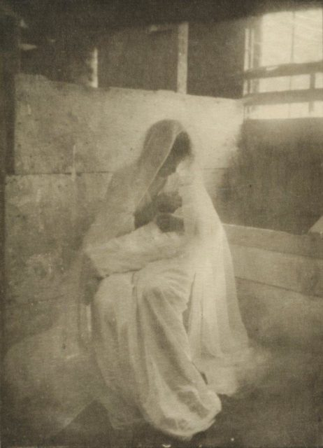 Gertrude Käsebier, The Manger, 1899, Heliogravüre, publiziert in Camera Work 1903,