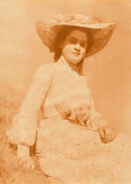 Heinrich Kühn, Study in Sunlight, um 1900, rötlicher Gummidruck,