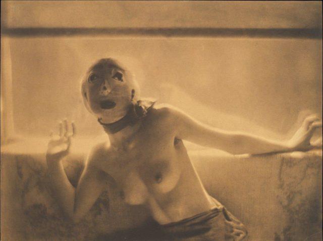 Adolphe de Meyer, Dance Study (Tänzerin der Ballets Russes), um 1912, Platindruck (Reprint auf Hahnemühle),
