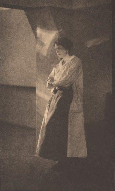 Hedda Koch, Portrait, 1919, Heliogravüre,