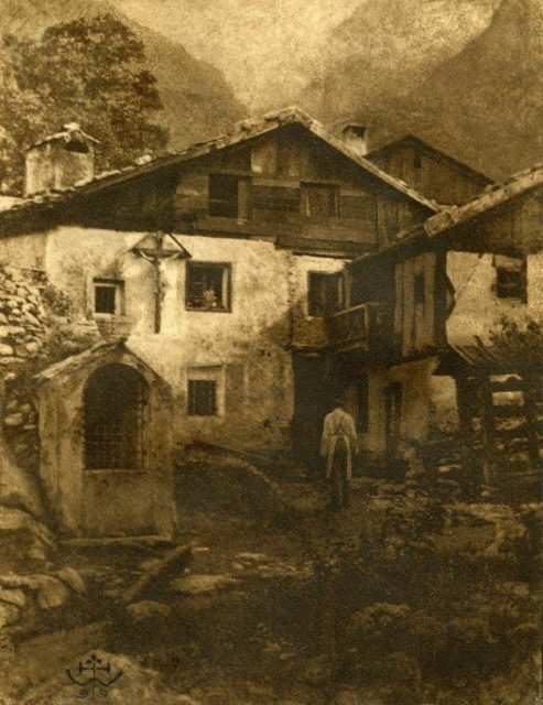 Hans Watzek, A Village Corner, 1899, Sepia Gummidruck,